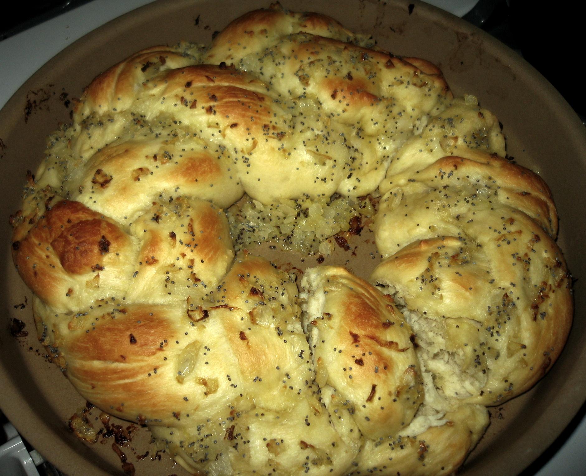 Buttery Onion Braid