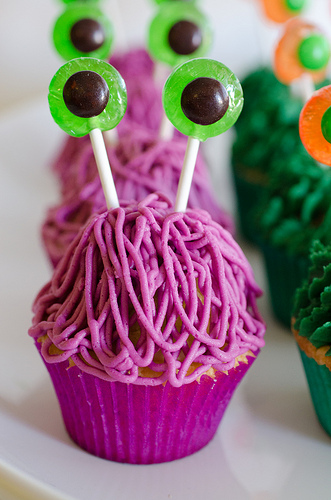 Monster_Cupcakes_Tutorial-6