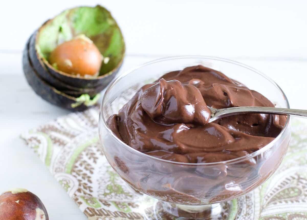creamy avocado chocolate pudding in a bowl