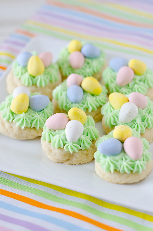 Easter Nest Sugar Cookies - a fun cookie that's easy to decorate with your kids this Easter.