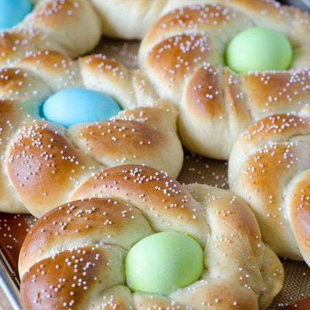 Italian Easter Bread Recipe - an easy beautiful Easter bread wreath!
