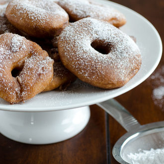 Appelbeignets (Dutch Apple Fritters)