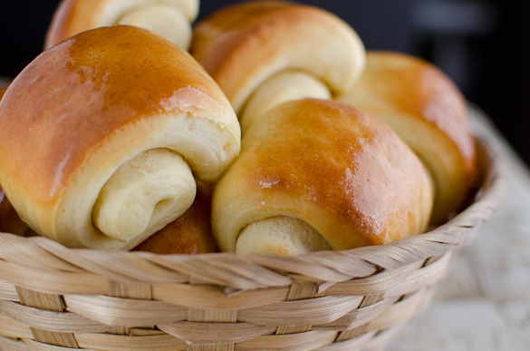 lion house buttery dinner rolls