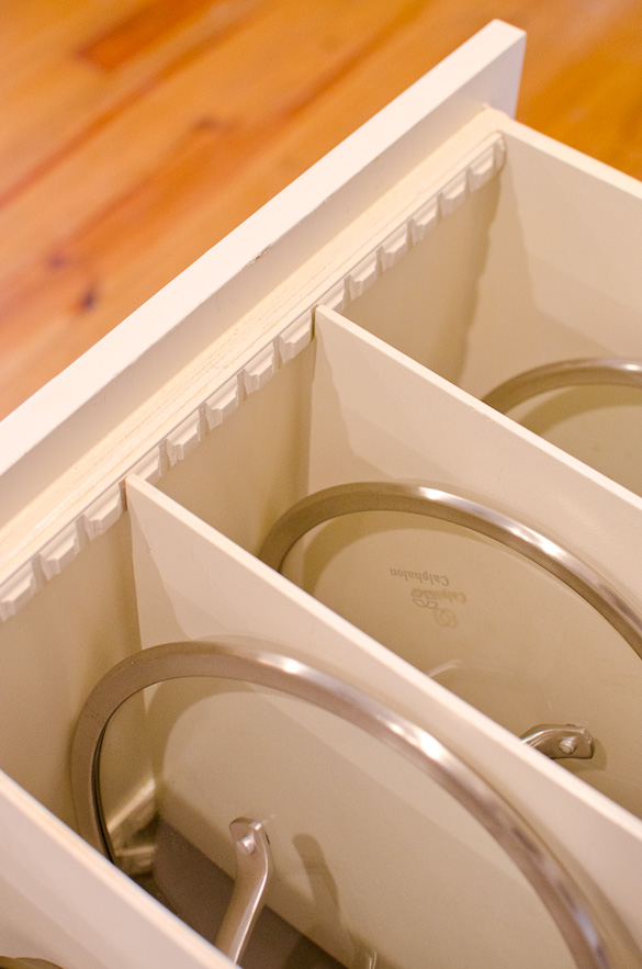 DIY Pots and Pans Organization Using Molding Strips by @seededtable
