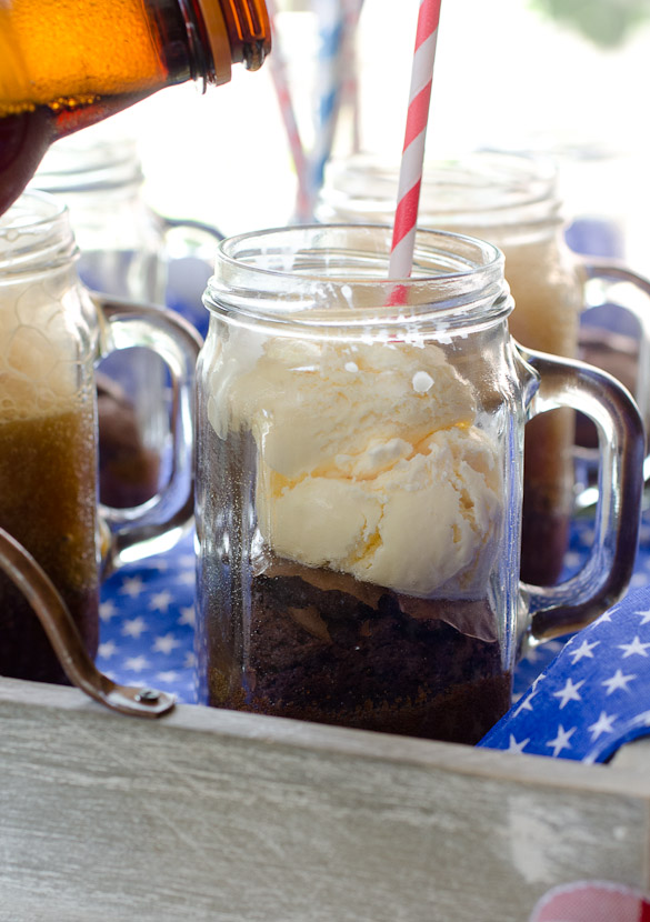 Root Beer Float Brownie Sundaes