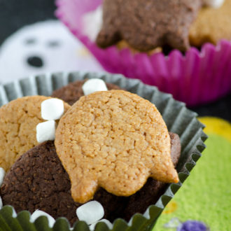 Graham Cracker Ghosts S'mores Snack Mix