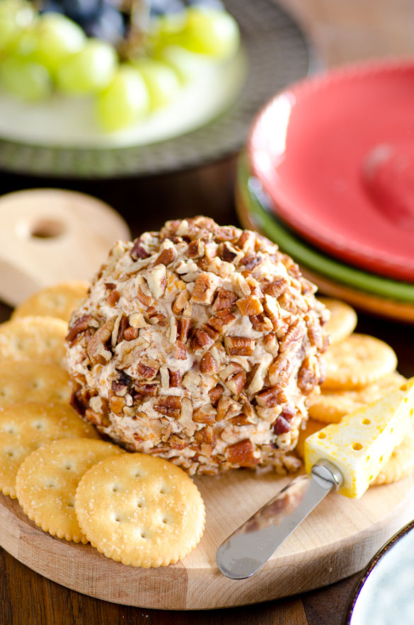 Pecan Crusted Apple Butter and Bacon Cheese Ball #BetterWithAppleButter #MussAppleButter #AppleButterSpin @MussAppleButter