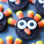 OREO Turkey Cookies - Quick and easy Thanksgiving cookies for your kids snack! Kids can make with you, too!