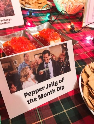 How to host a National Lampoon's Christmas Vacation movie viewing party, complete with a Christmas Vacation themed menu and decorations! Read below on how to host your own Christmas Vacation movie party with Christmas Vacation food and decor. Tell your guests to dress in their best tacky Griswold-inspired costumes!