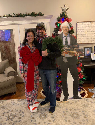 We hosted our 2nd annual National Lampoon's Christmas Vacation Party. Read below for details on Griswold-inspired decorations, costumes, snacks and drinks to have your own Christmas Vacation movie party.