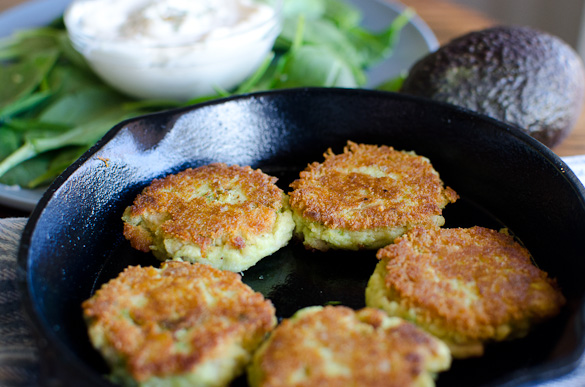 Turn your can of tuna into a meal with these pan-fried Avocado Tuna Patties. Only 4 ingredients and Whole30 approved! Crispy on the outside, these simple Avocado Tuna Patties are a tasty healthy lunch option.