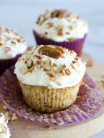 cupcakes with pecan topping