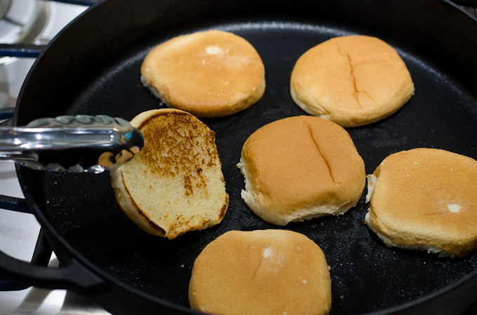 toasting buns on skillet