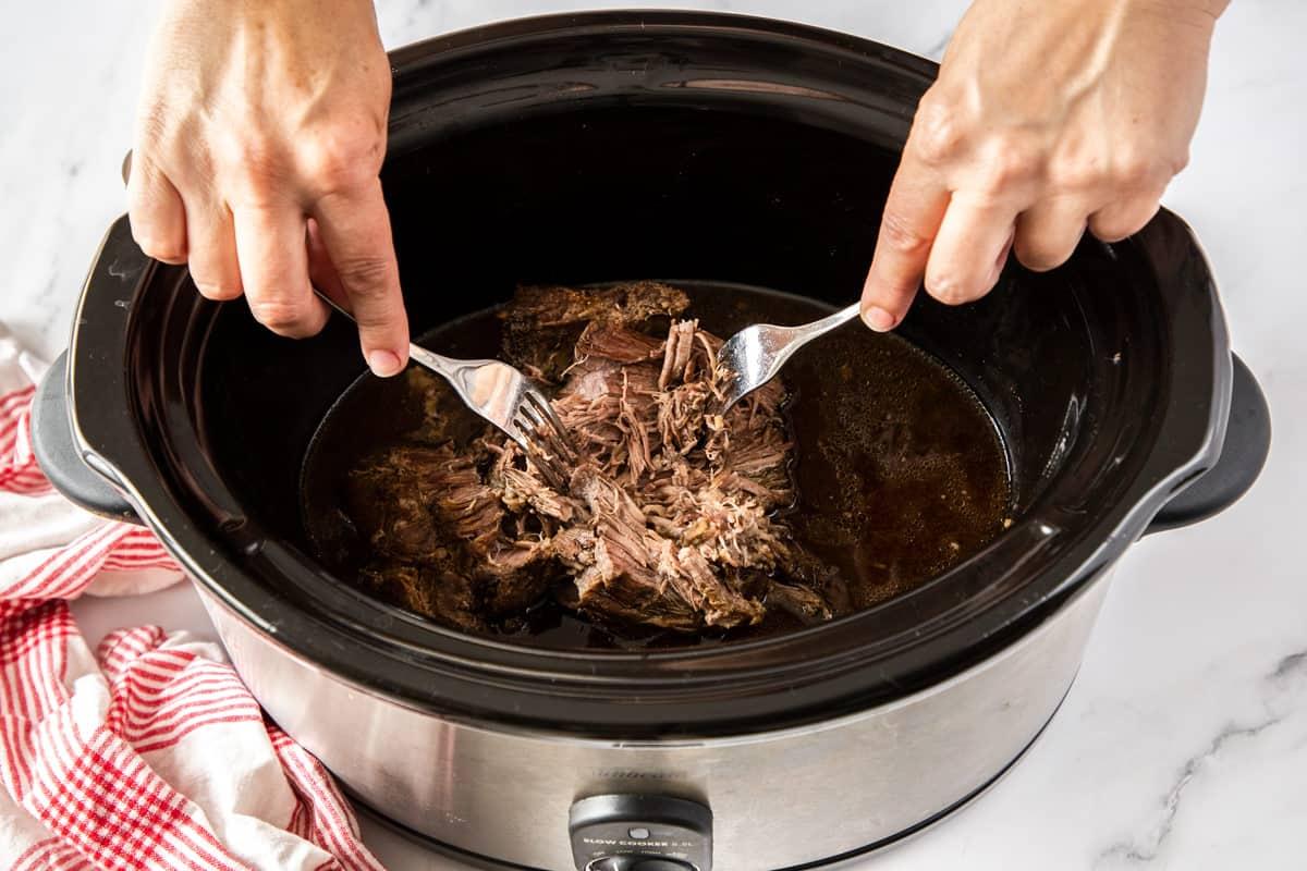 shredding beef in slow cooker